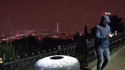 İstanbul'da beklenen kar yağışı etkili oldu, Çamlıca'ya lapa lapa kar yağdı