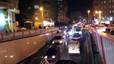 Kısıtlama öncesi trafikte gerginlik