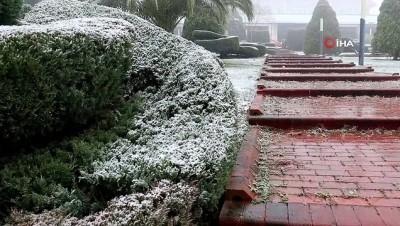- Sakarya'da kar yağışı etkisini gösteriyor