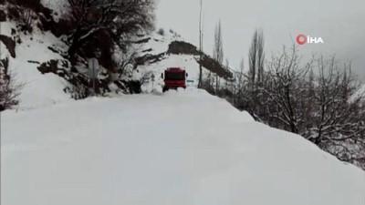 - Şırnak'ta kar kenti beyaza bürüdü