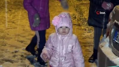 Düzce'de yağan kar kısıtlamayı unutturdu