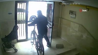 Kapıları zile basarak açtıran bisiklet hırsızı kamerada