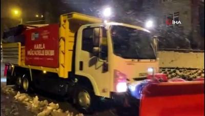 kar kureme araci -  Maltepe'de 250 kişilik ekiple kar seferberliği
