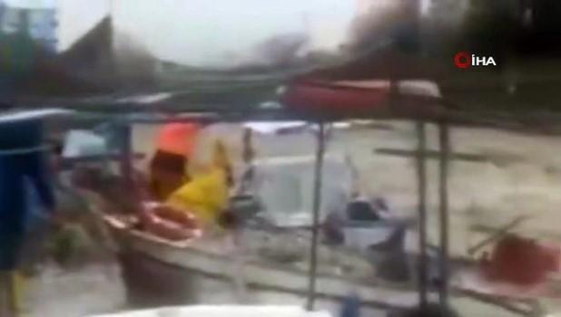 demirli -  Sağanak yağış balıkçı teknelerine zarar verdi