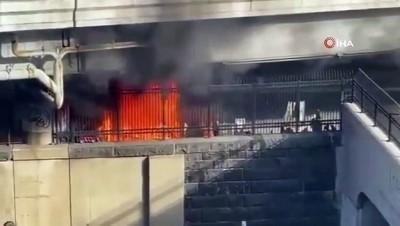 yemin toreni -  - ABD'de evsizler kampındaki yangın Kongre binasında paniğe neden oldu