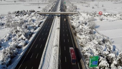 Düzce TEM Otoyolu'na 13 saat sonra trafiğe açıldı