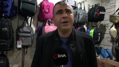 Öğrenciler uzaktan eğitim alınca, çantalar elde kaldı