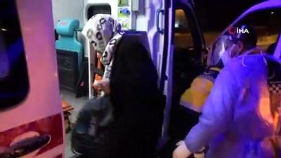 - Sinop'ta aydınlatma direğine çarpan otomobil yan yattı: 3 yaralı