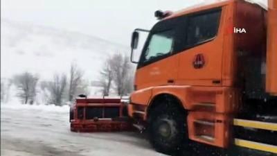 Şırnak-Uludere yolu yoğun kar yağışı nedeni ile ulaşıma kapandı