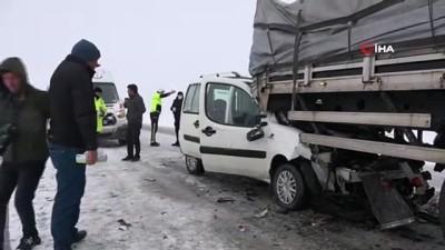 Siverek'te yağan kar beraberinde kazaları getirdi