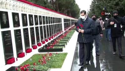 """- Azerbaycan'ın kapanmayan yarası: Kanlı Ocak - Tarihe """"Kanlı Ocak"""" olarak geçen 20 Ocak katliamının kurbanları anıldı"""