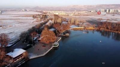 Kayseri -14'ü gördü göl kısmen buz tuttu