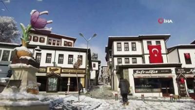 """tarihi bina -  """"Osmanlı'nın parmak izi"""" Safranbolu'da kar manzaraları mest etti"""
