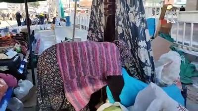 - Pazarcı esnafı soğuktan korunabilmek için pazara soba kurdu