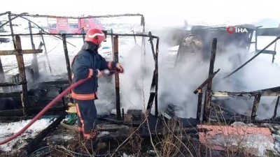 Sakarya'da roman vatandaşın çadırı yandı, komşusu yardım istedi