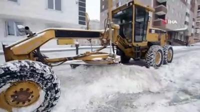 Yakutiye'de kar mesaisi
