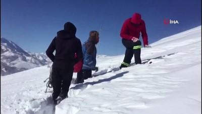 Arızalara giden ekiplerin kar ve soğukla mücadelesi