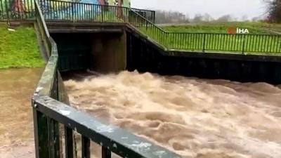 tren seferleri -  - İngiltere'de Christoph Fırtınası Alarmı - Yoğun Fırtına Ve Sel Nedeniyle 2 Bin Ev Tahliye Edildi