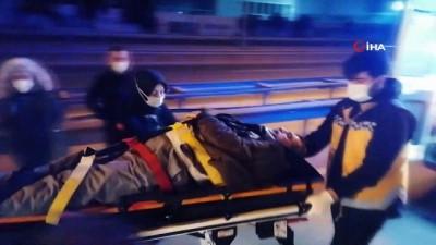 Kaza yapan otomobilde sıkışan sürücüyü itfaiye kurtardı