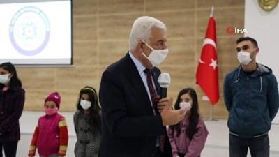 karne hediyesi -  Büyükşehir'den öğrencilere karne hediyesi 'Tablet'