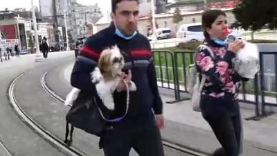 alabalik -  Taksim'de sokağa çıkma kısıtlamasında bu kez turistlere ceza yağdı