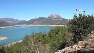 Son yağışlar Kozan Barajında su seviyesini yükseltti