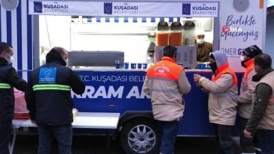 Mobil ikram aracı bu kez belediye personeline servis yaptı