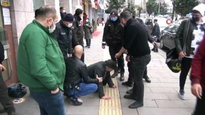 Alkollü adam polis ve bekçilere zor anlar yaşattı