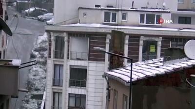 Meteorolojinin turuncu kodla uyardığı Tekirdağ'da kar etkili oluyor