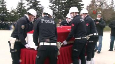Polis memuruna hüzünlü veda