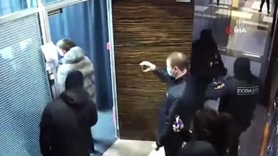 - Rus polisi, Navalny'nin evine ve vakfına baskın yaptı