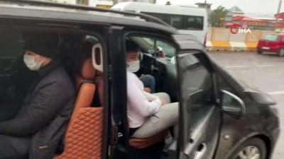 VIP araçla Avrupa'ya kaçarken yakalandılar
