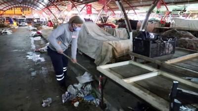temizlik iscisi -  Temizlik işçisinden 'insanlık ölmemiş' dedirten davranış