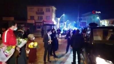 Bakan Kasapoğlu'ndan Bucak'a yarı olimpik yüzme havuzu müjdesi