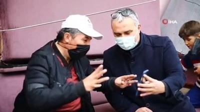 Başkan Çerçioğlu'nun yardımıyla gün yüzü gördü... Engelli vatandaş akülü sandalyesine kavuştu