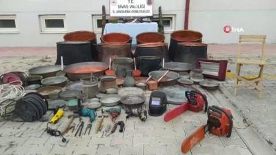 elektrik kablosu -  6 ayrı evden hırsızlık yapan şahıslar çaldıklarıyla birlikte yakalandılar