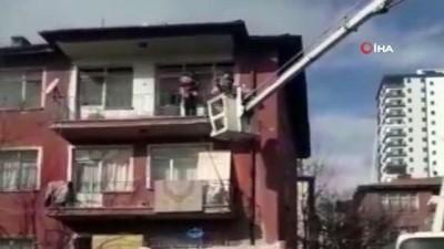 guvenli bolge -  Yangında mahsur kalan aileyi şantiyedeki vinç kurtardı
