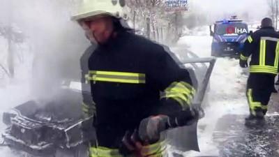 guvenli bolge -  - Alev alan araç yanarak kullanılamaz hale geldi