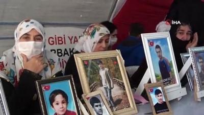hain saldiri -  HDP önündeki aileler, PKK'nın hain saldırısına rağmen evlat nöbetini kararlılıkla sürdürüyor