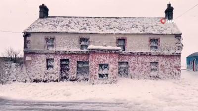 gard -  - İrlanda'da kasaba köpüklere teslim oldu