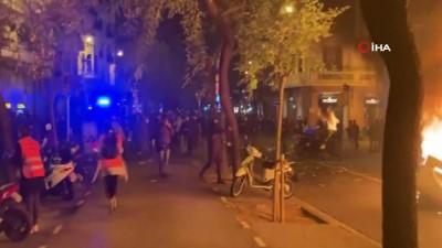 - İspanya'da rapçi Pablo Hasel'in destekçileri sokaklara döküldü