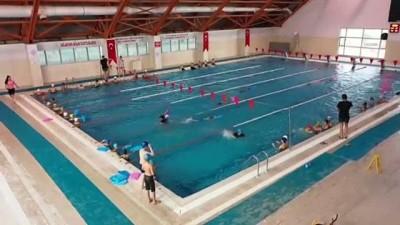 IĞDIR - Denizi olmayan Iğdır'da yüzme bilmeyenin kalmaması hedefleniyor