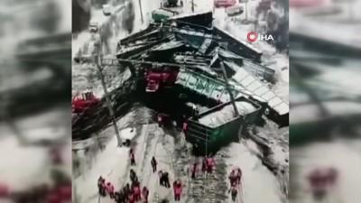 tren seferleri -  - Rusya'da trenin raydan çıktığı kazada 25 vagon birbirine girdi