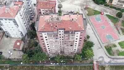 Depremde hasar gören ve yıkılacak olan binalar böyle görüntülendi
