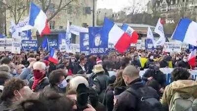 - Fransa'da göçmen karşıtı grup Kimlikçi Nesil'in feshedilmesi protesto edildi