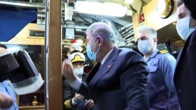 kabiliyet - İZMİR - Milli Savunma Bakanı Akar, TCG Gür denizaltısını ziyaret etti