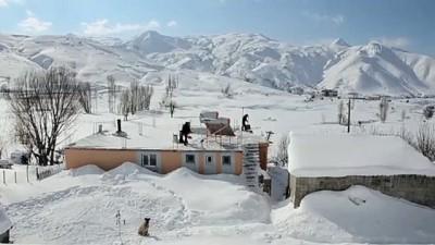 kar temizleme - BİTLİS - Doğu'daki 4 ilde 307 yerleşim birimine kar nedeniyle ulaşım sağlanamıyor