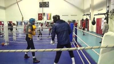 KASTAMONU - Tuz mağarasında antrenman yapan boksörlerin performansı arttı