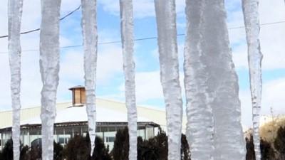 BAYBURT - Soğuk hava etkili oluyor