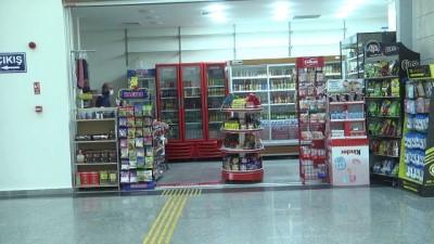 ucak seferleri - Diyarbakır Havalimanı'ndaki işletmecilerde '31 Ocak'a ötelenen kira bedellerinin iptal edilmesi' sevinci